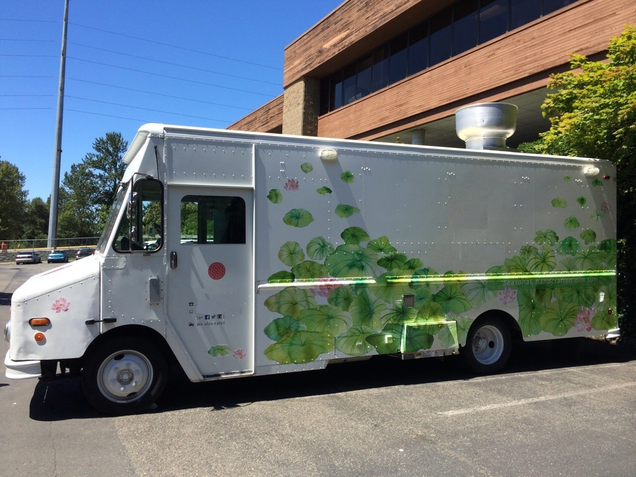 Custom Freightliner Food Truck For Sale