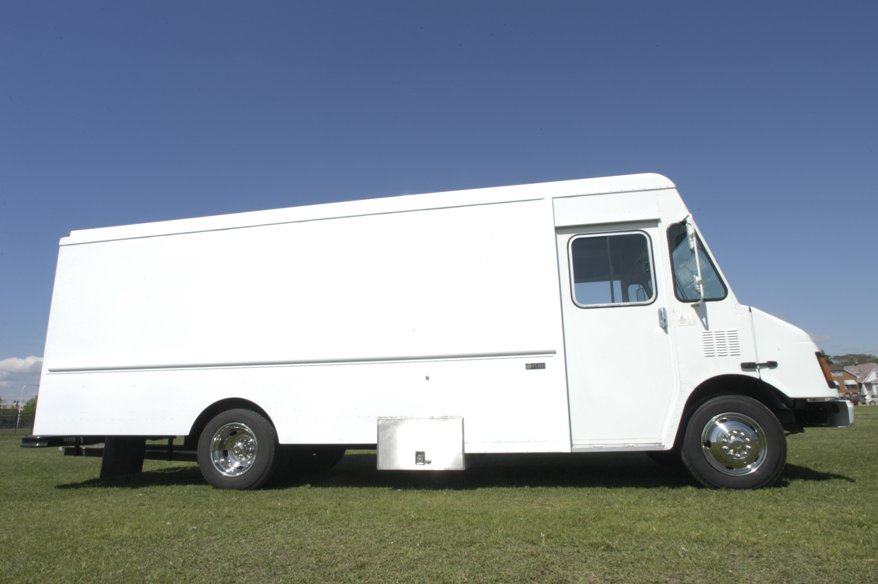 Food Sale: Chicago Food Truck Fully Loaded! For Sale