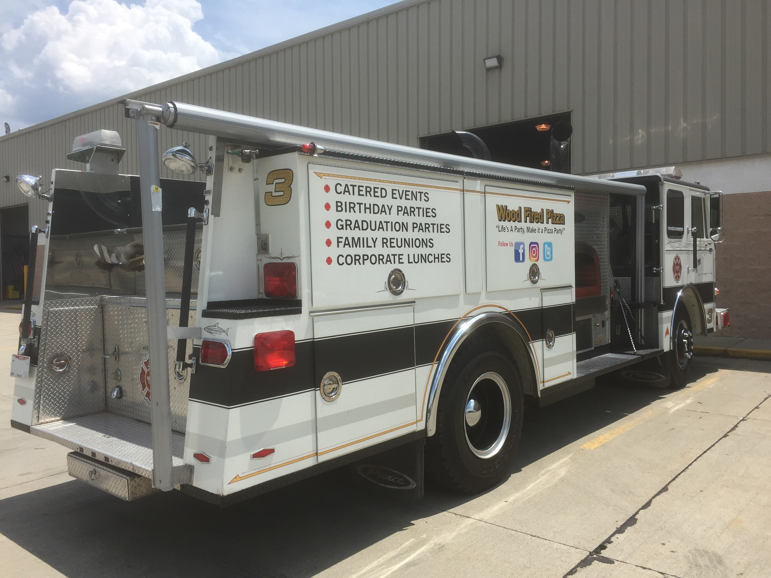 Fire engine food truck rear food trucks for sale used for Truck motors for sale